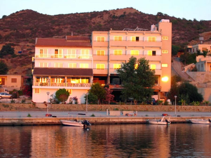 Hotel pyrgiana kato pirgos tillirias contact for Contact hotel